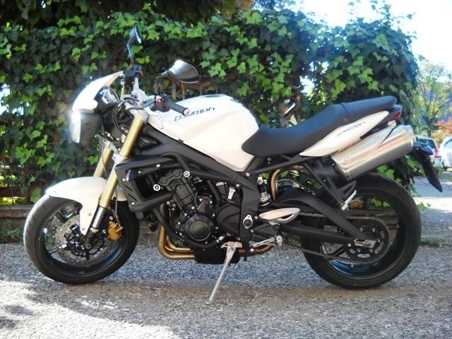 Moto usate verona triumph street triple 2012 azienda for Moto usate regalate