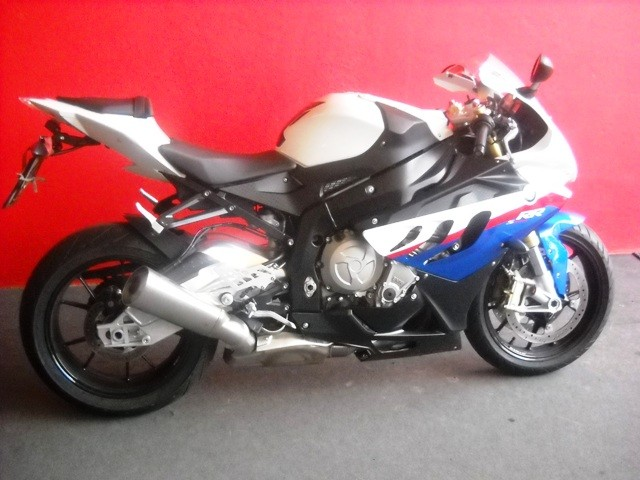 moto usate verona vendo bmw s1000r pacchetto sport verona azienda moto usate a verona. Black Bedroom Furniture Sets. Home Design Ideas